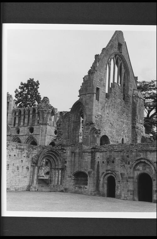 Dryburgh: the abbey ruins.