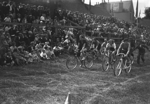 Women's Cycle Race, Ceres Games.