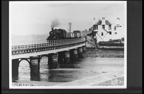 Train over Guardbridge.