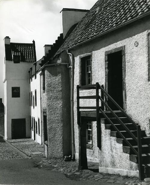 House in Tanhouse Brae, Culross.