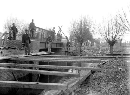 Repairs to bridge, Thame.