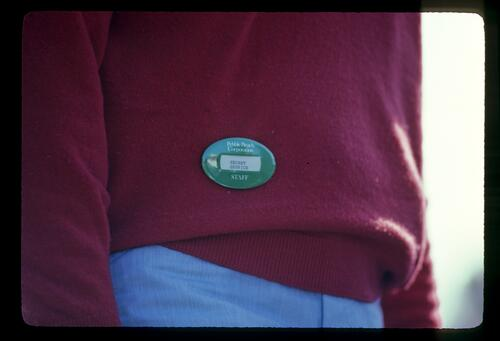 An apparently oxymoronic badge on display during the 1982 Bing Crosby Pro Am
