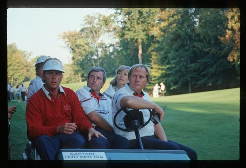 1987 American Ryder Cup captain Jack Nicklaus with players Tom Kite, Payne Stewart and Curtis Strange