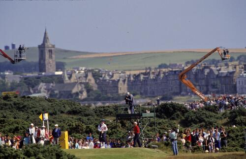 Payne Stewart tees off on the 7th hole at the 1990 Open Championship in St Andrews