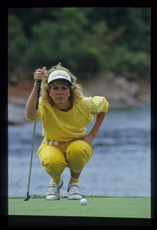 Kathy Baker lines up her putt at the 1987 Ladies World Cup