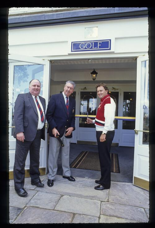 American Rdyer Cup captain Ray Floyd cuts the ribbon to open the new golf centre at the 1989 Ryder Cup