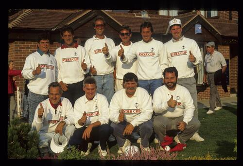 The caddies for the United States 1989 Ryder Cup team give the thumbs-up at The Belfry