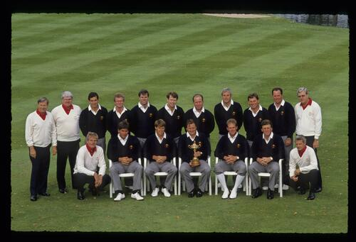 The 1989 United States Ryder Cup team with staff at The Belfry