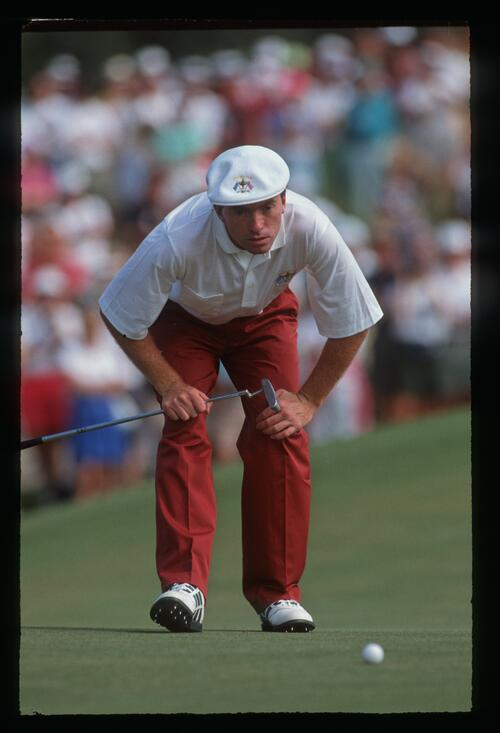 David Gilford eyes up his putt for Europe at the 1991 Ryder Cup Match at Kiawah Island