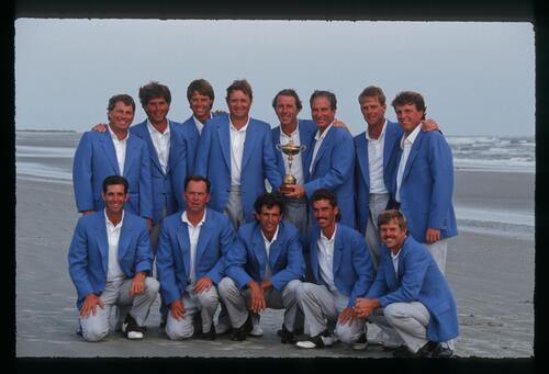 The victorious 1991 American Ryder Cup team on the beach at Kiawah Island
