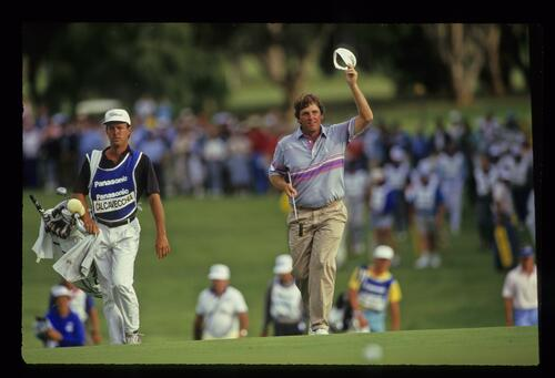 Mark Calcavecchia claims victory at the 1988 Panasonic Australian Open at Royal Sydney