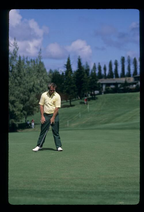 Craig Stadler staring into the hole during the 1984 Kapalua International