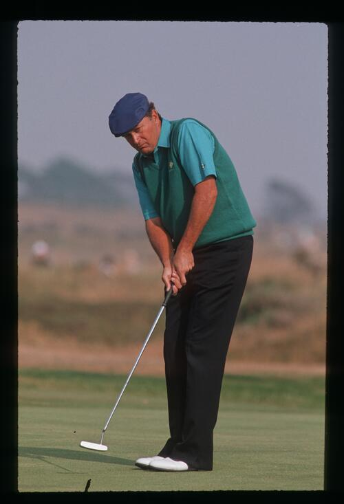 American Ray Floyd carefully watches his putt at the 1989 Open Championship at Royal Troon