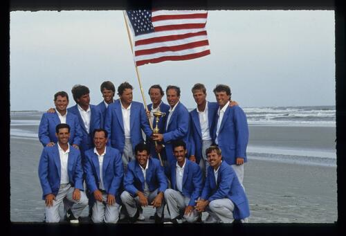The victorious US Ryder Cup team on the beach at Kiawah in 1991