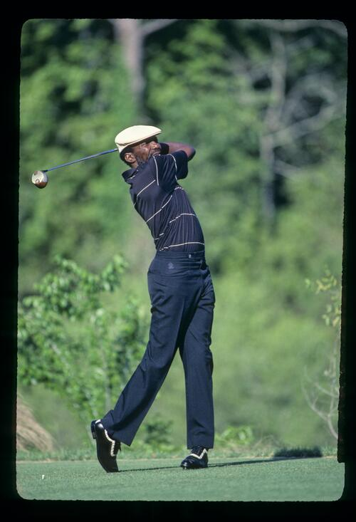 Calvin Peete tees off on his way to win the 1985 Players Championship