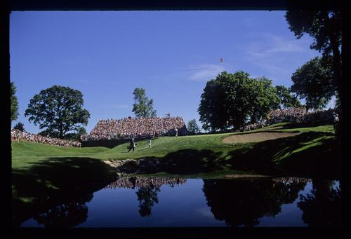 The raised green of the 10th hole with blimp overhead during the 1991 US Open