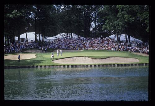 Extreme target golf at the 13th hole of Medinah during the 1990 US Open
