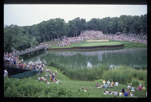 The well-guarded 17th hole of Medinah during the 1990 US Open
