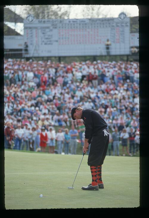 Payne Stewart holes his putt on 18 at the 1989 Memorial Tournament at Muirfield Village