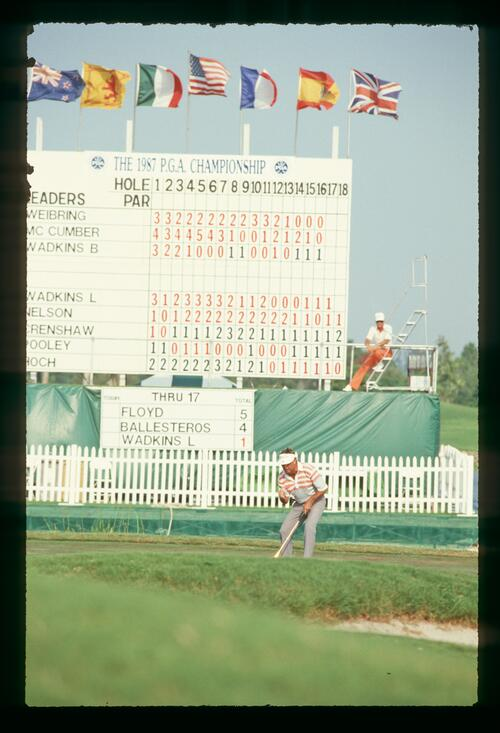 Lanny Wadkins holes his putt on 18 to force a playoff at the 1987 U. S. PGA Championship