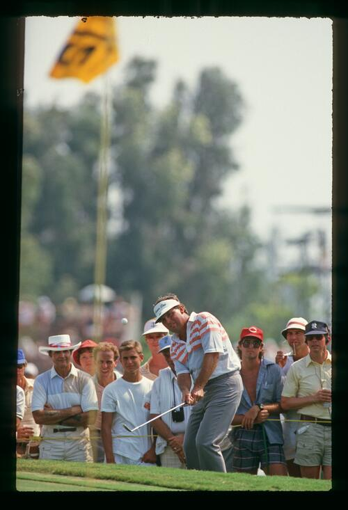 Lanny Wadkins pitches into the green on his way to a playoff at the 1987 U. S. PGA Championship