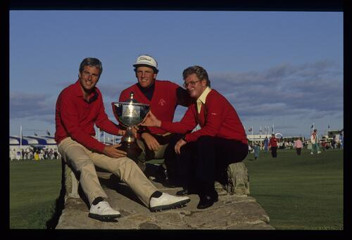 The victorious USA Team on the Swilken Bridge at the 1990 Dunhill Cup