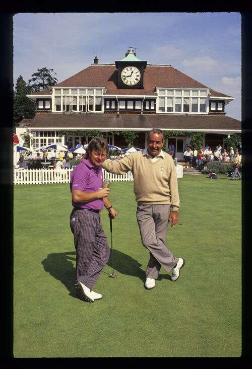 Ian Woosnam and Bob Torrance on the practice putting green during the 1988 Panasonic European Open