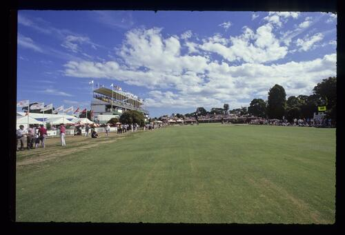 Action on the 18th green during the 1990 Australian Masters