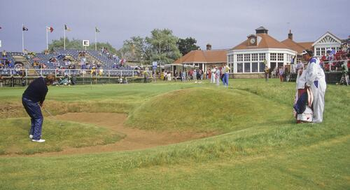 Raymond Floyd plays from the mound inside the greenside bunker on the 18th at the 1987 Open Championship at Muirfield