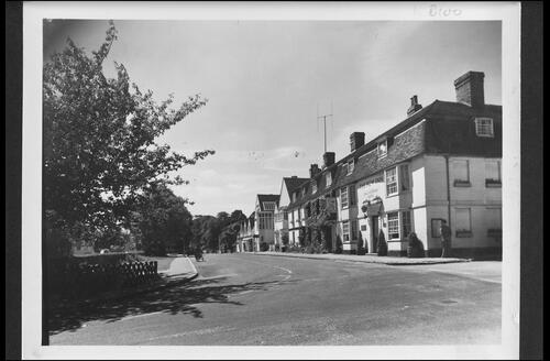 New Inn and Main Road, Winchelsea.