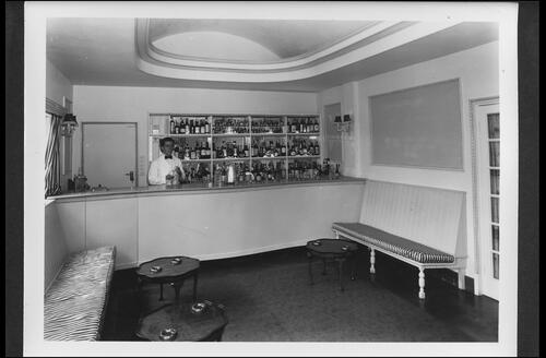 Bar Lounge, Broadreeds Holiday Camp, Selsey.