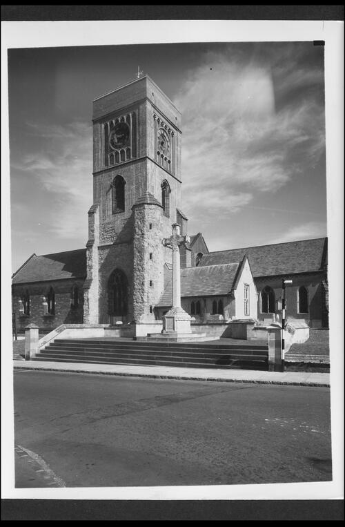 Petworth Church and War Memorial.