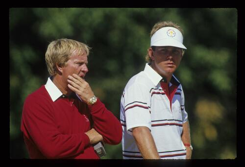 Jack Nicklaus and Payne Stewart in pensive mood at the 1987 Ryder Cup