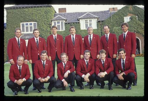 The 1989 USA Ryder Cup Team in front of the clubhouse at The Belfry