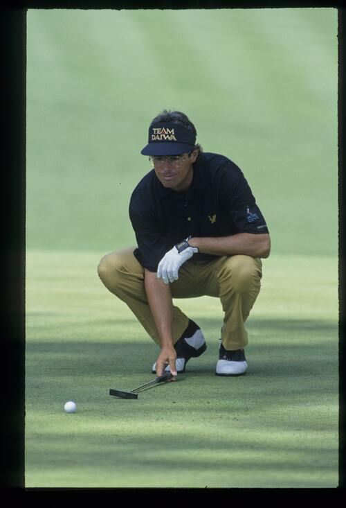 Ian Baker Finch lining up a putt during the 1993 Masters