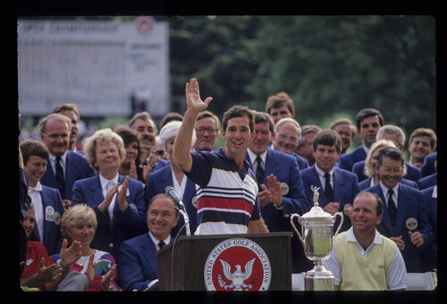 Chip Beck celebrating second place during the 1989 US Open presentation ceremony