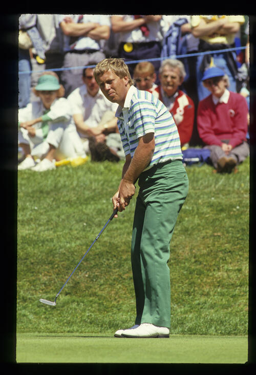 Howard Clark putting in the sun during the 1988 Volvo PGA