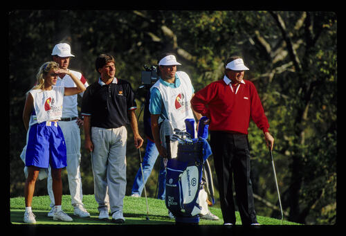 Fred Couples and Raymond Floyd on the tee during the 1990 RMCC Invitational