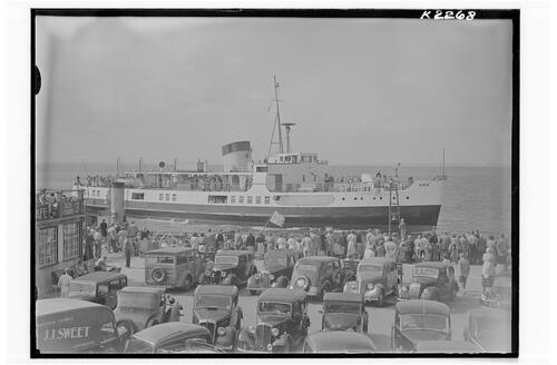 "M.V. ""Brading"" at Pier Head, Ryde, Isle of Wight."