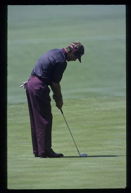 Ben Crenshaw about to putt during the 1993 Masters