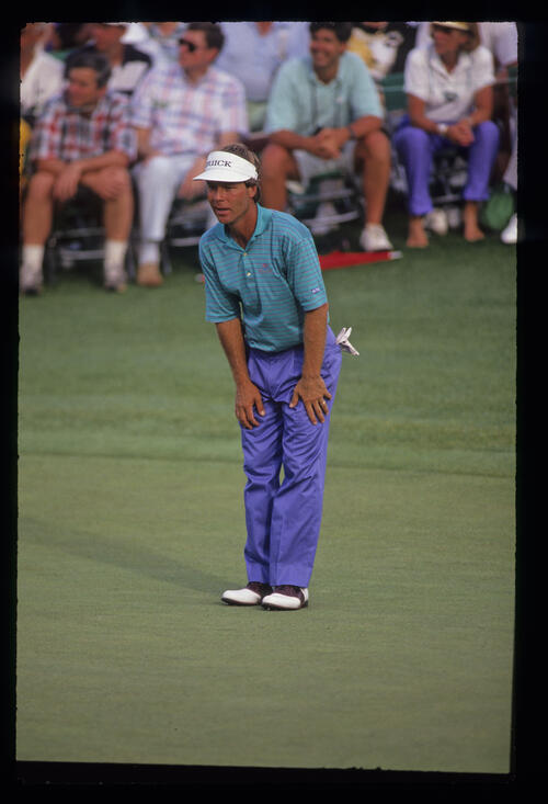 Ben Crenshaw surveying a putt during the 1991 Masters