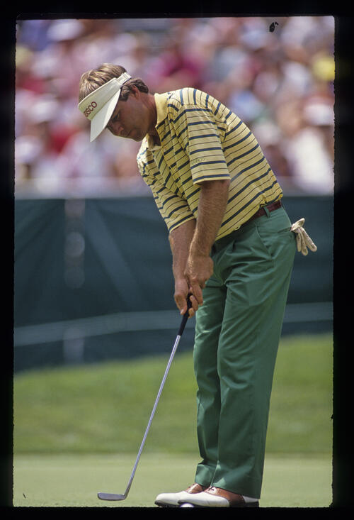 Ben Crenshaw putting during the 1990 US Open