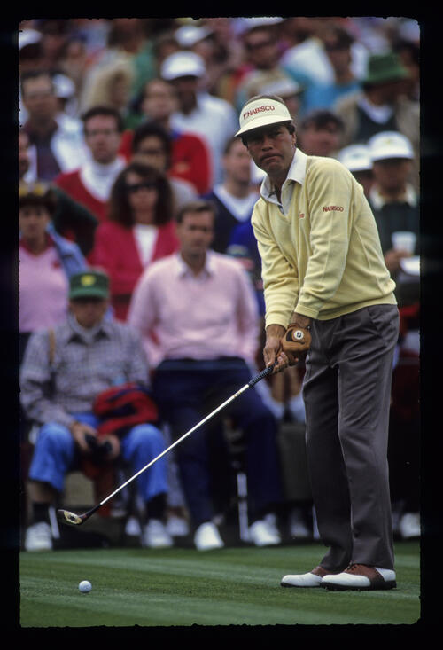 Ben Crenshaw preparing to drive during the 1989 Masters