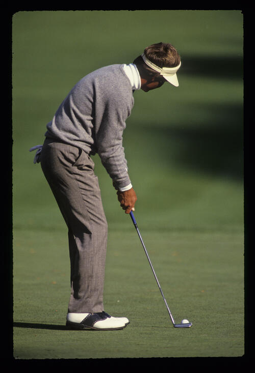 Ben Crenshaw about to putt during the 1989 Masters