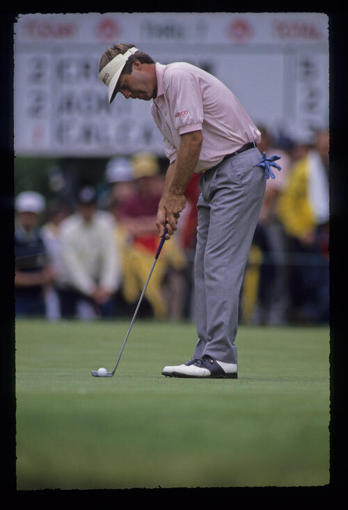 Ben Crenshaw about to putt during the 1989 US Open