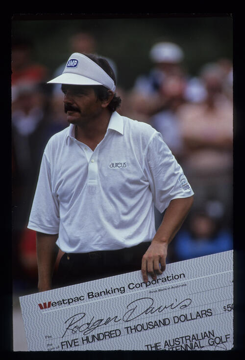 Rodger Davis with the presentation cheque after winning the 1988 Bicentennial Classic