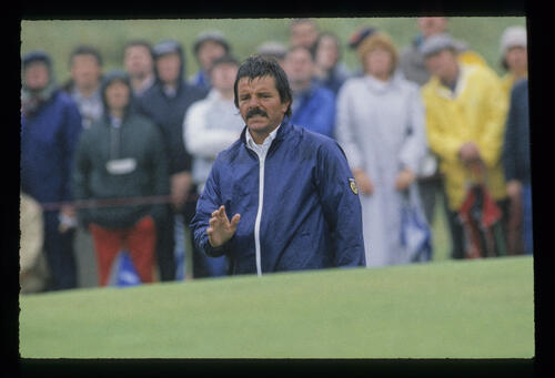 Rodger Davis greenside in the rain during the 1987 Open Championship
