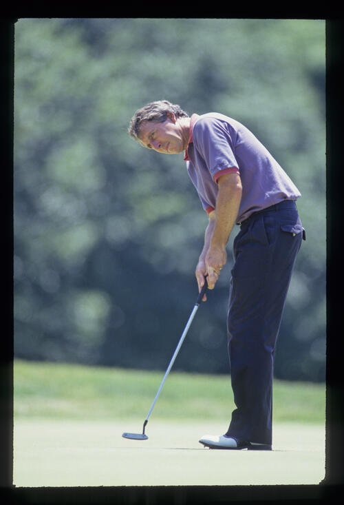 Hale Irwin putting during the 1993 US Open