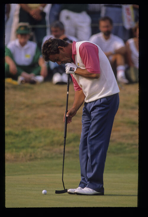 Tony Jacklin using a broom handled putter during the 1989 Open Championship