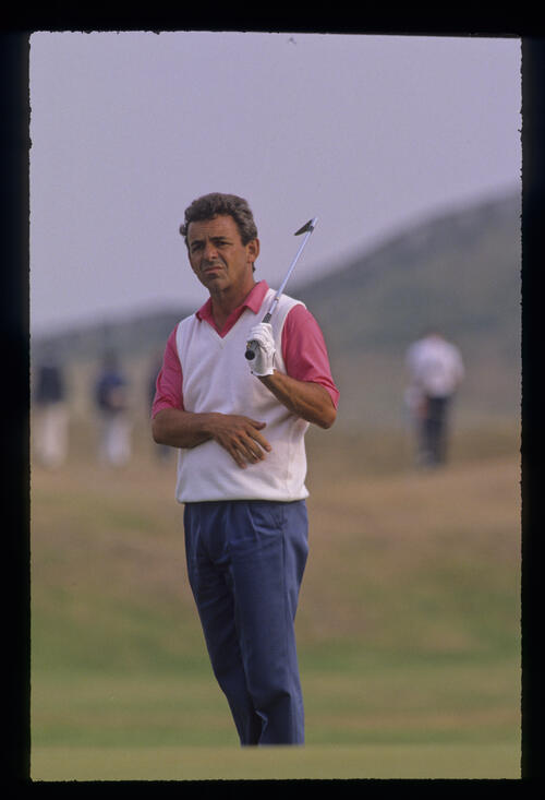 Tony Jacklin reacting to a chip during the 1989 Open Championship